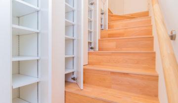 階段横の大収納